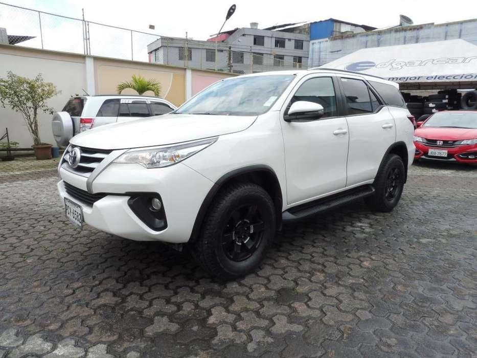 Toyota Fortuner 2018 - 25000 km