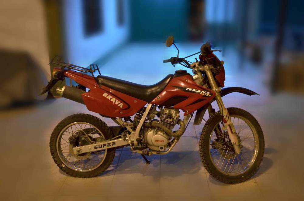 Vendo Moto Brava Texana 200cc