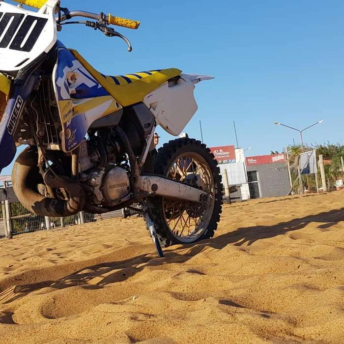Vendo Husqvarna 250 R 2t Impecable