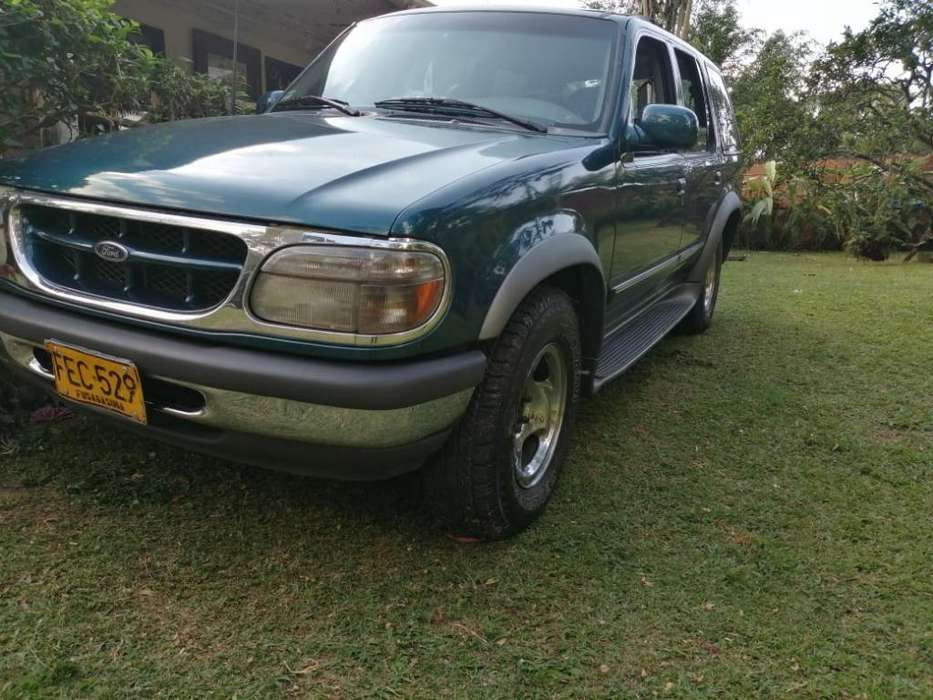 Ford Explorer 1998 - 227420 km