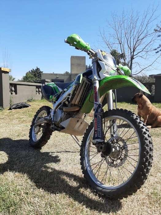 Moto <strong>kawasaki</strong> KLX 450r