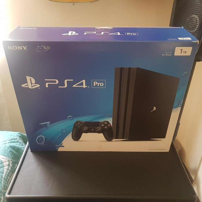 PS4 CONSOLA PLAY STATION 4 PRO