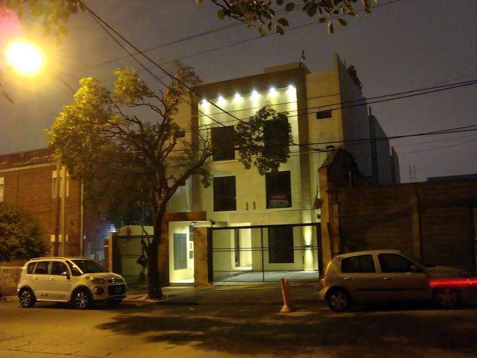 Vendo en Barrio Gral Paz - Amplio - Dol 49.980