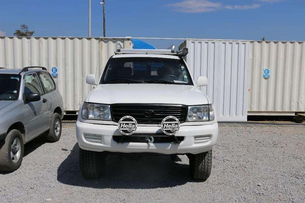 Toyota Land Cruiser 2001 - 235000 km