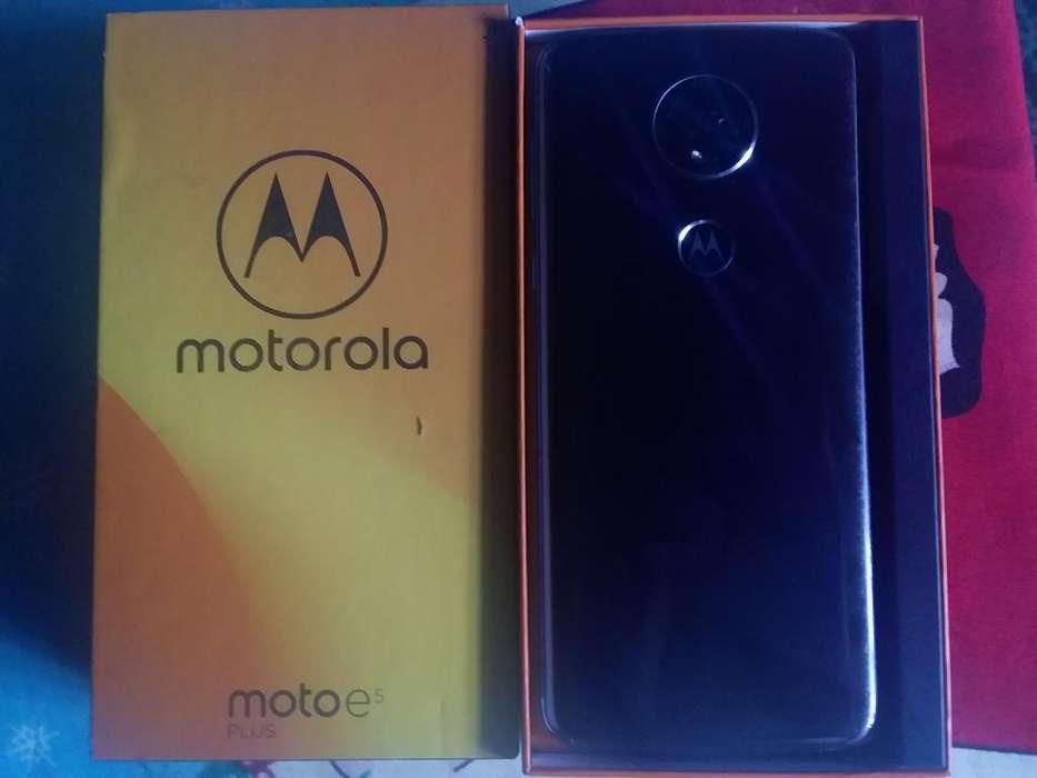 Moto E5 Plus