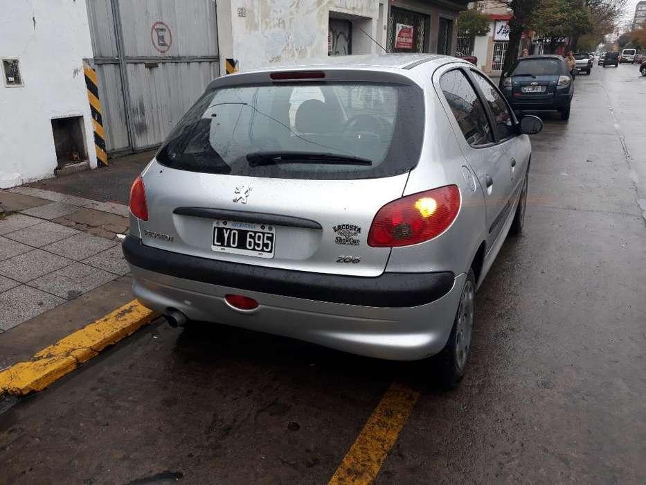 Peugeot 206 2012 - 105000 km