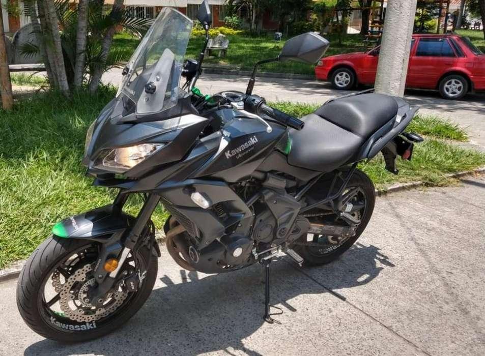 <strong>motocicleta</strong> Kawasaki Versys 650