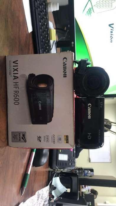 Videocámara Hd-Canon Vixia Hfr600