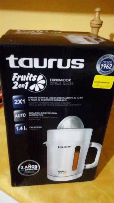 Exprimidor de Citricos Taurus