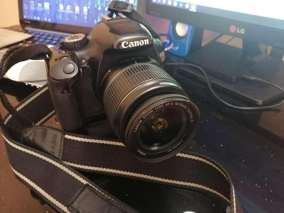 Vendo Camara Profesional Canon T2i 550D con Battery Grip y 2 Baterias