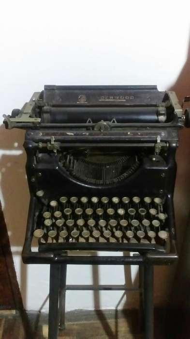 Vendo Maquina de Escribrir Undewood Amer