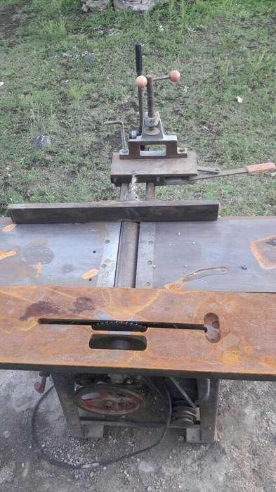 Maquina para Carpinteria con Motor