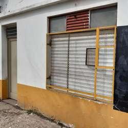 ALQUILER DE LOCAL CALLE 67 esq 144