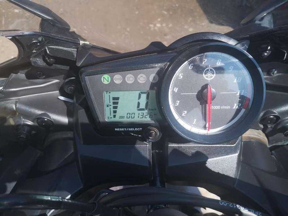 Vendo Yamaha R15 Nueva 1000 de Recorrido