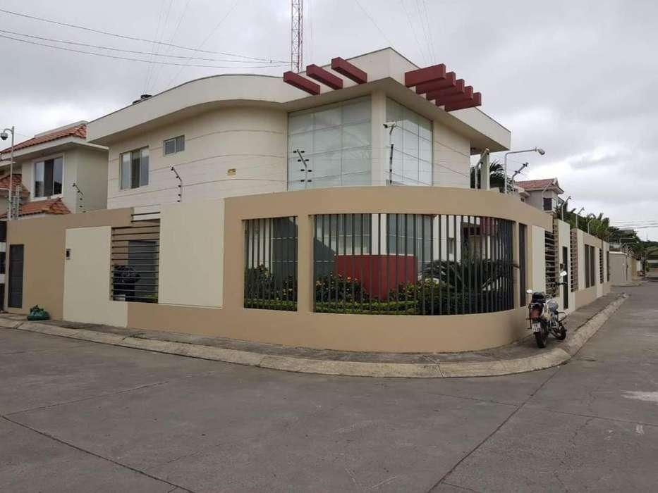 Venta de Casa en la Urb. Unioro, Machala
