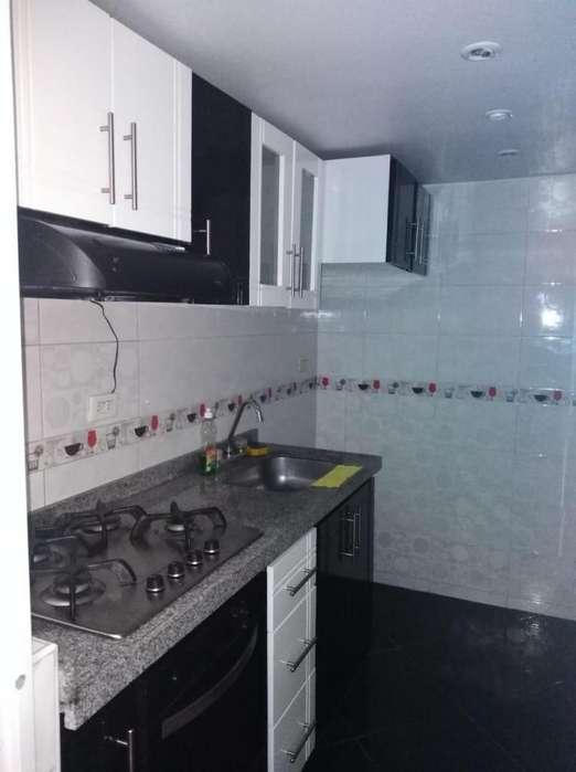 Casa de 3 <strong>piso</strong>s en Conjunto Cerrado Madrid Cundinamarca. Cel. 3112175503 Jhonny Torres.