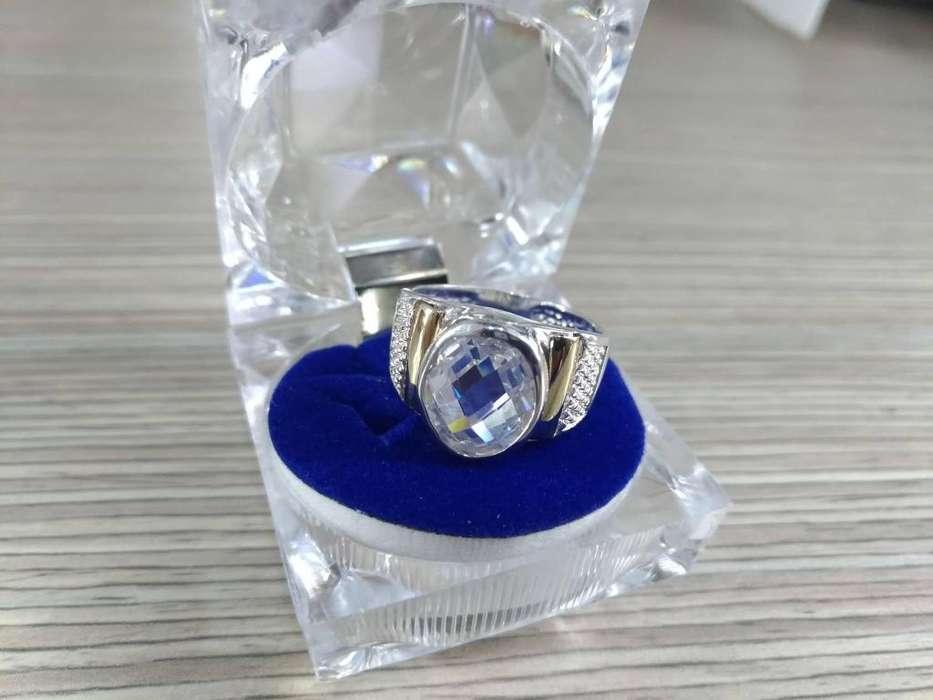 anillo de nombre en plata,pyo y oro