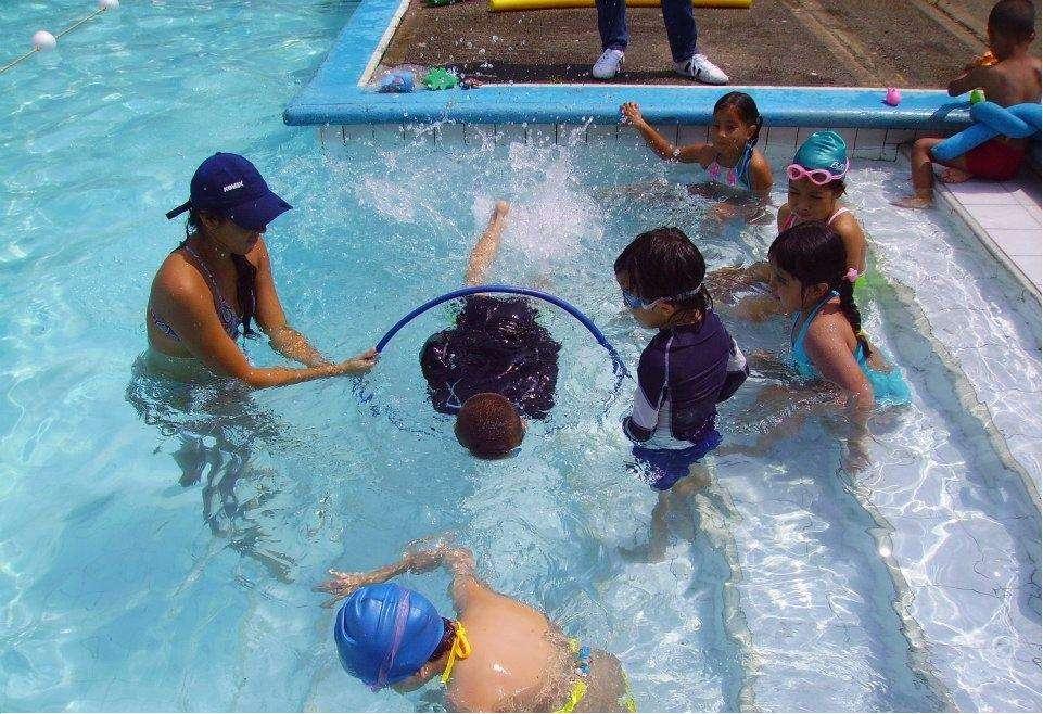 enseño natación
