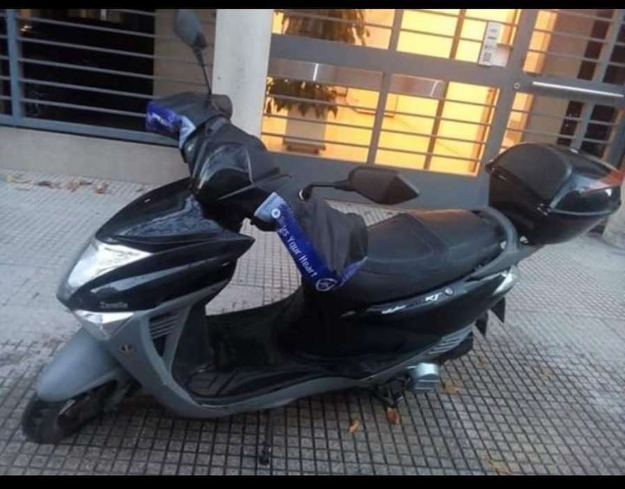 Vendo <strong>scooters</strong> Zanella 2018 Negociable