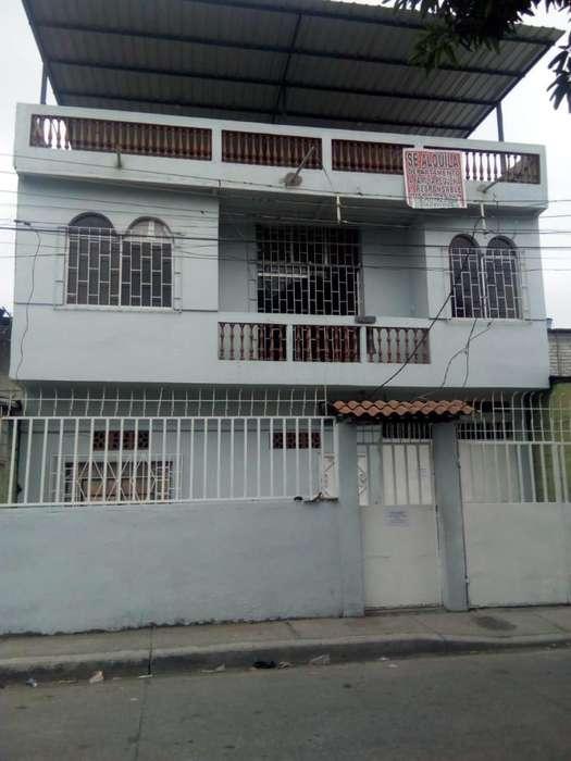 # casa rentera Guasmo sur 5 departamentos/ 0982712236 KATTY VELIZ