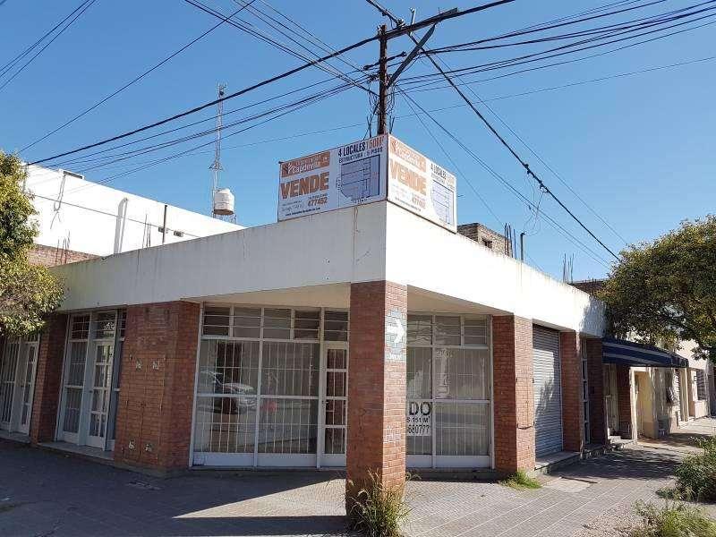Vendo 4 locales comerciales en excelente esquina de Villa Constitución.