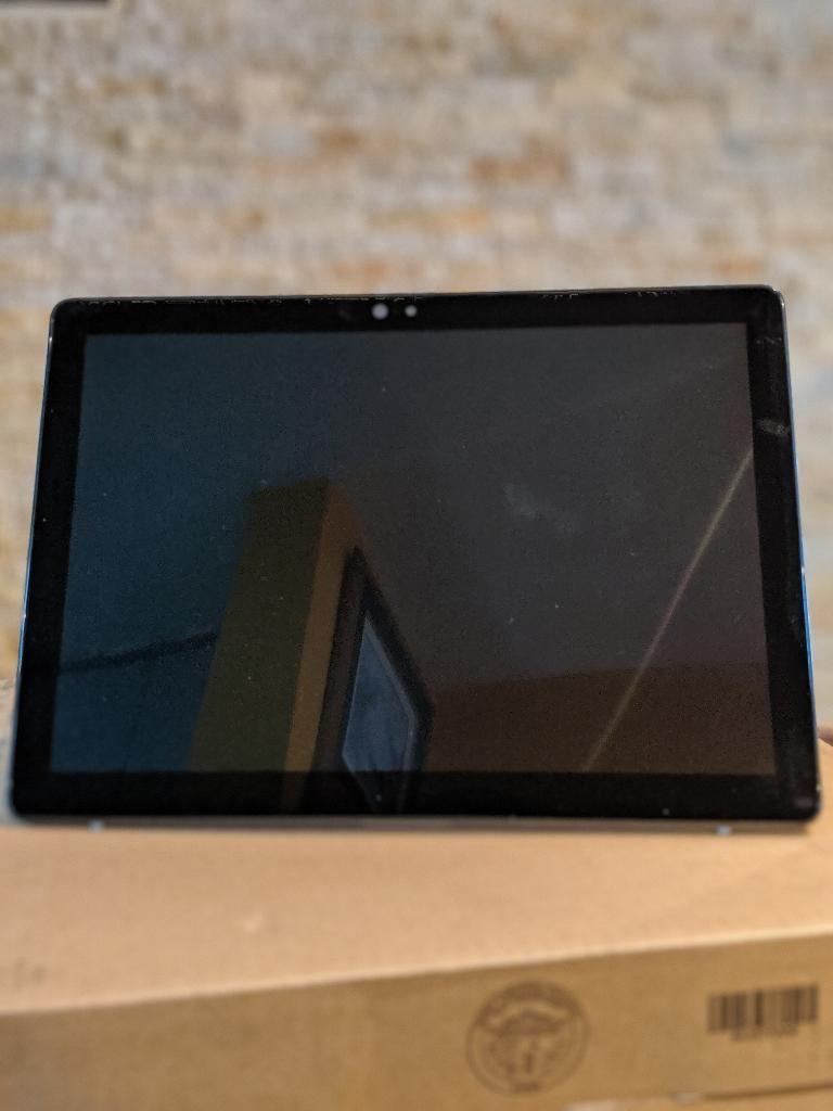 Dell Latitude 7200 2-1 I7 8va,16gb,512