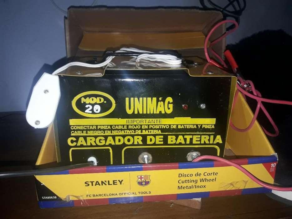 Vendo Cargador de Bateria