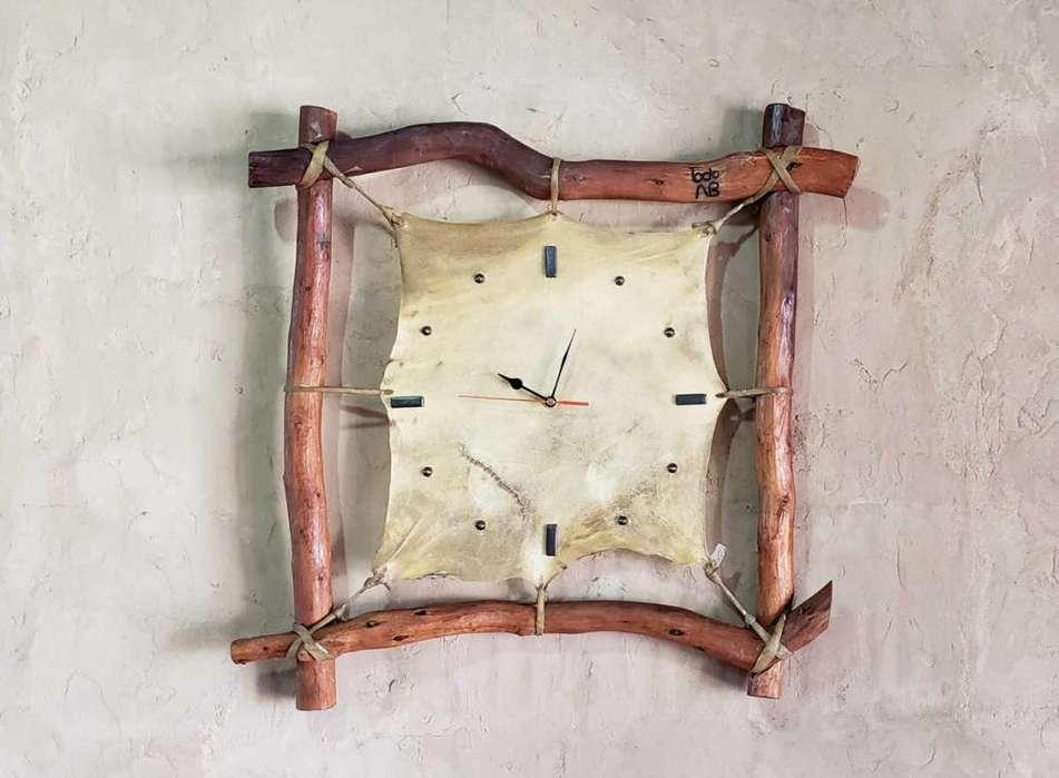 Reloj Pared Artesanal <strong>rustico</strong> Palos De Chañar Y Cuero Crudo