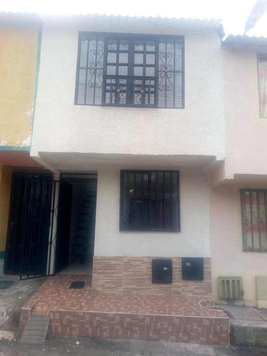 Se Vende Casa en El Barrio Girasoles