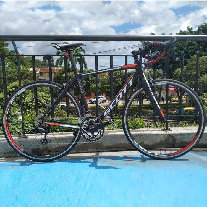 Bicicleta de Ruta Scott Full Shimano 105