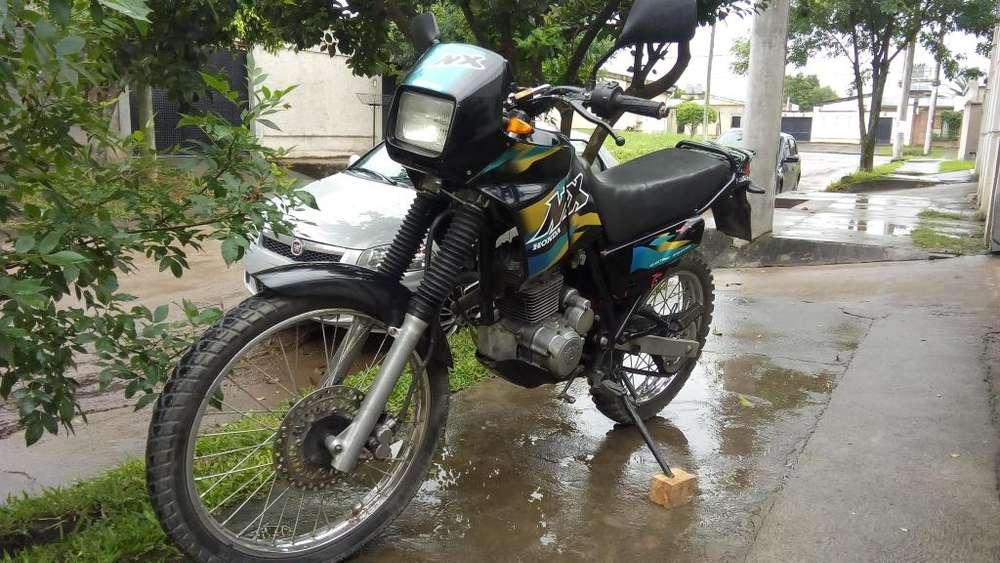 VENDO O PERMUTO NX 200cc MODELO 2000