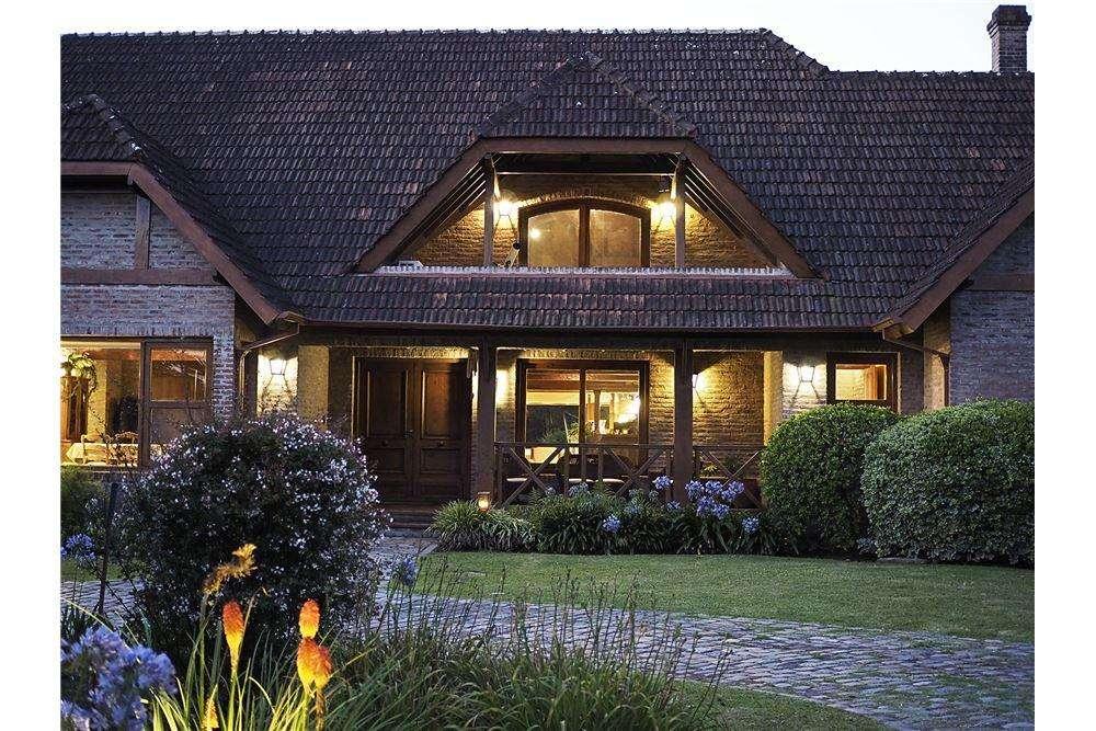 Venta Casa 10 amb Pileta Quincho Farm Club Pilar