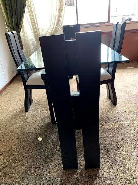 Comedor 4 puestos, madera TECA - Mesa en vidrio
