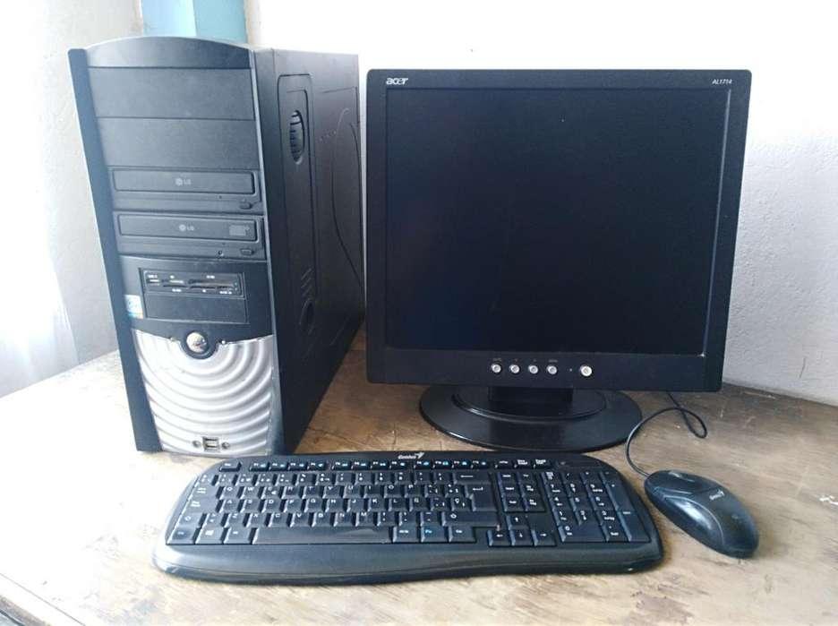 Computador con Windows 8 Y Wifi en 400 M