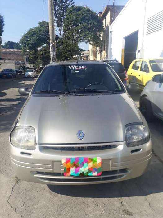 Renault Clio  2002 - 300000 km
