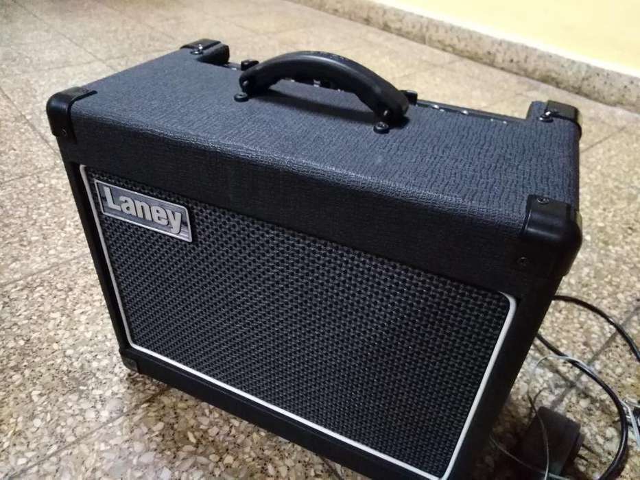 Amplificador de <strong>guitarra</strong>