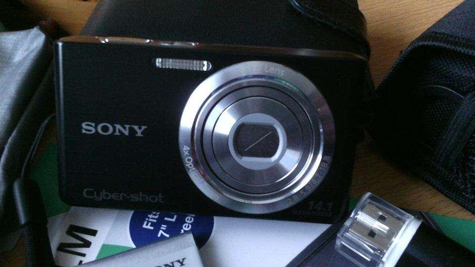 Cámara Digital Sony 14.1MP