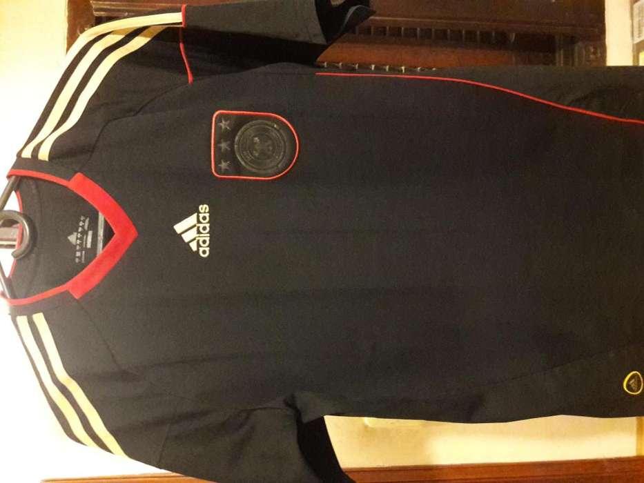 Camiseta original Alemania alternativa usada impecable 2009 Talle M