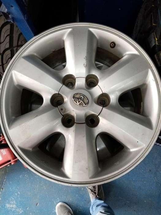 Rines 17 Originales Toyota