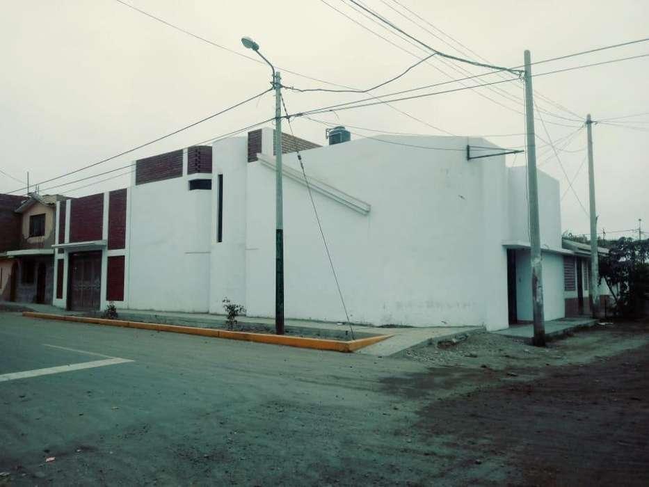 Casa Amplia de 2 Plantas con Buena Ventilación para Empresas
