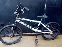 Vendo Bicicleta para Acrobacias