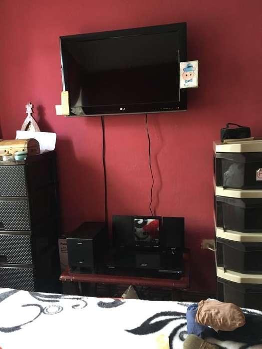 CENTRO DE TV PARA DORMITORIO
