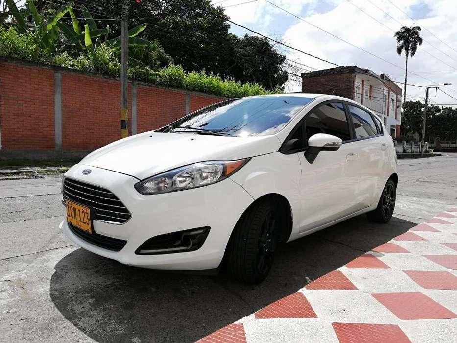 Ford Fiesta  2015 - 0 km