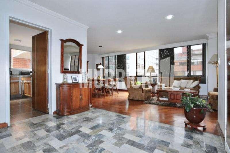 Apartamento En Venta En Bogota El Retiro Cod. VBMUB1222