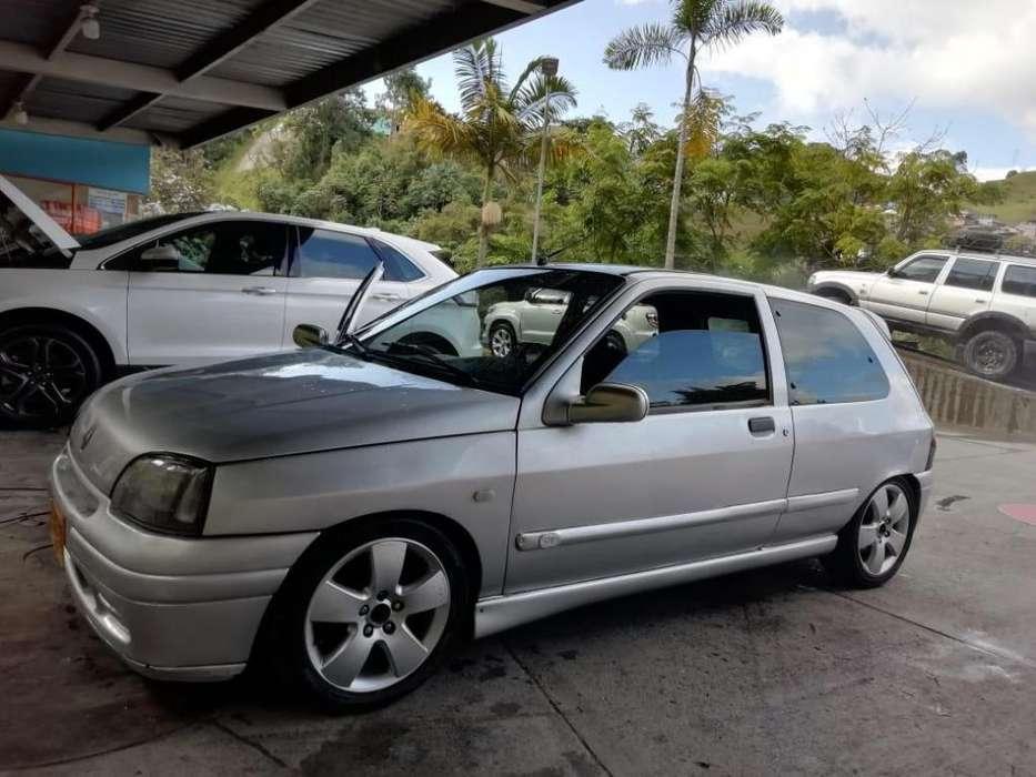 Renault Clio  1997 - 180000 km