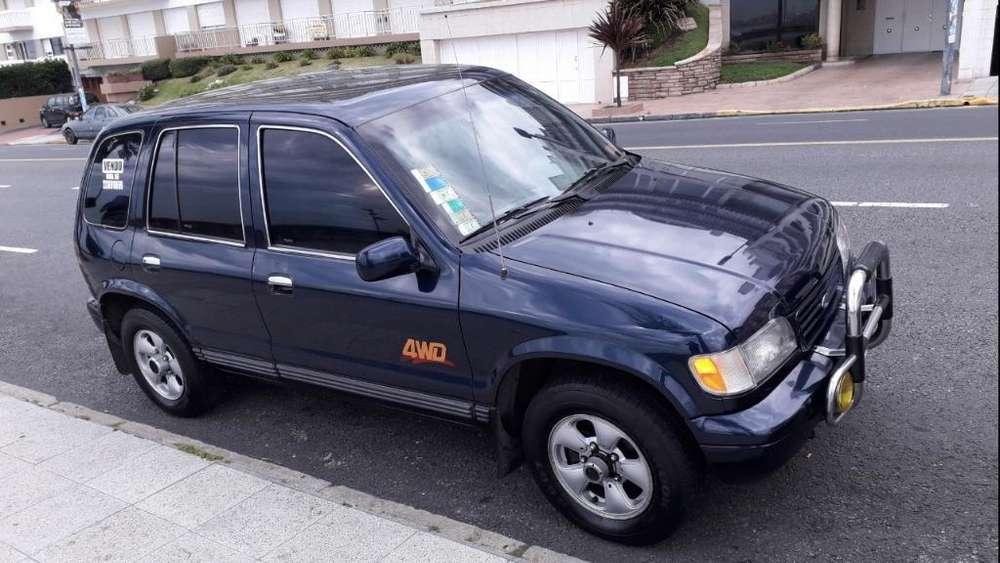 Kia Sportage 1996 - 264000 km