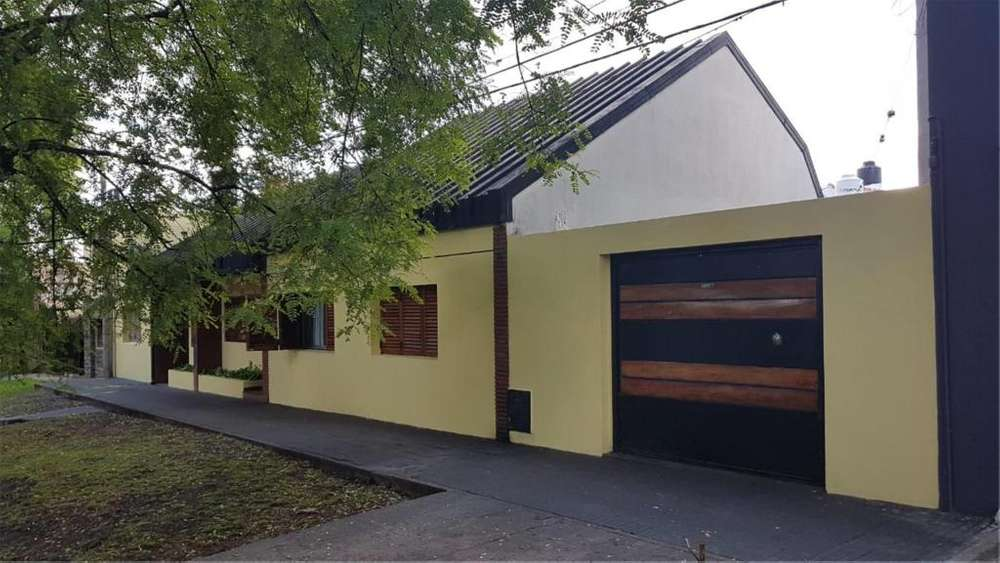 Courreges 342 - UD 230.000 - Casa en Venta