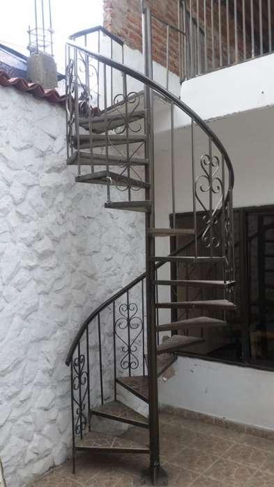 Se Venden Escaleras en Caracol