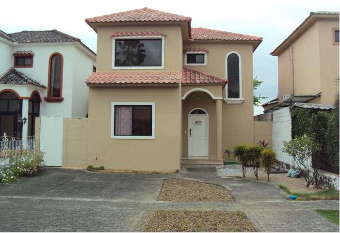Casa de alquiler en Vía Al Sol, km 14.5 Vía a la <strong>costa</strong>, aires instalados.