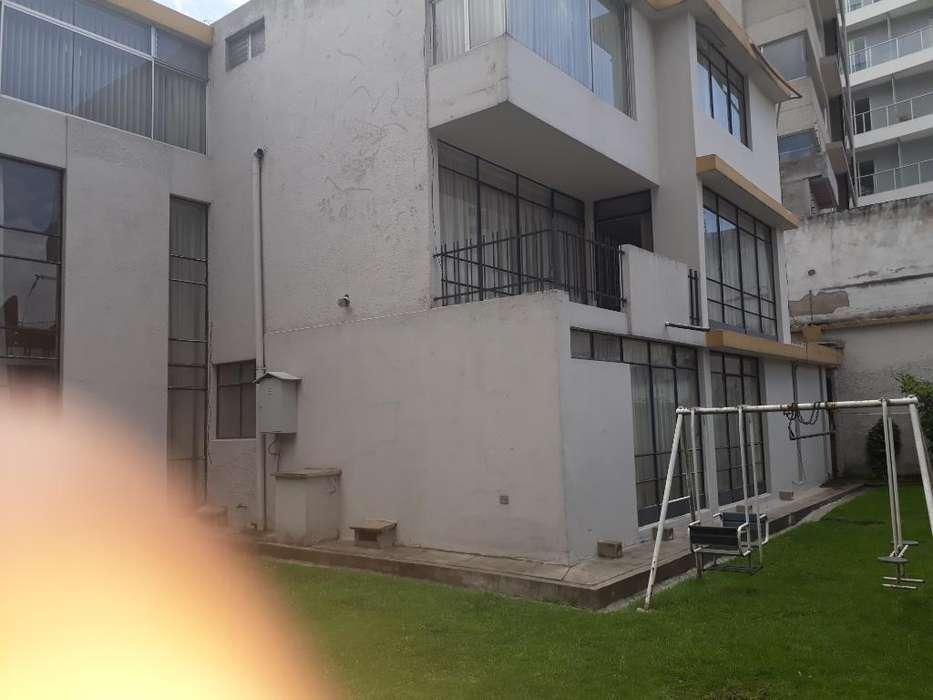 Gonzalez Suárez / Hotel Quito Rento casa